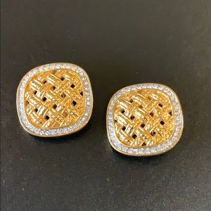 Jewelry - Beautiful Swarovski and gold clip earrings